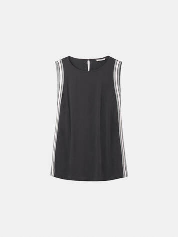 Sleeveless top with striped piping /