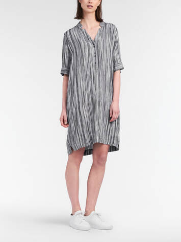 Drapey dress with vertical stripes /