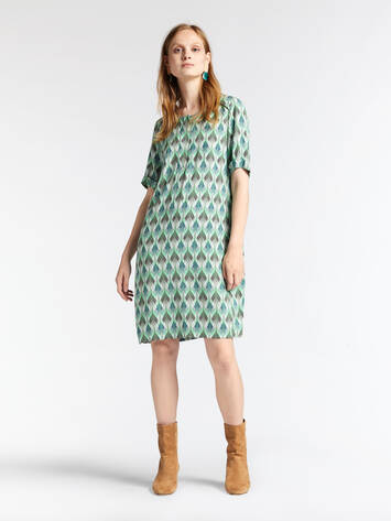 Dress with all-over print /