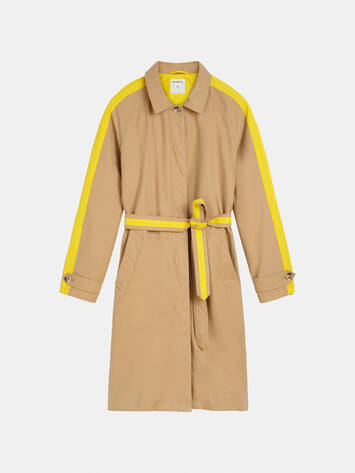 Trench coat with piping /